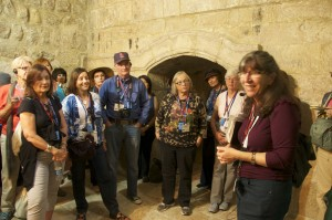 I like to tell the story you've reading here on site Hulda's Tomb. This 2013 Women of the Bible tour, with Logos Bible Study led by Dr. Bill Creasy, made the time. Photo: Ana Vargas.